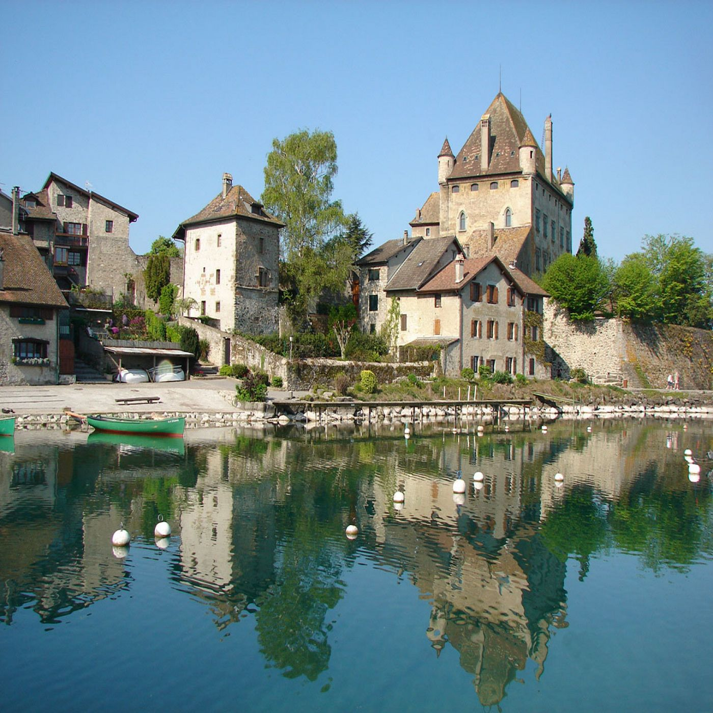 Yvoire medieval lakeside village and garden of five senses for Jardin 5 sens